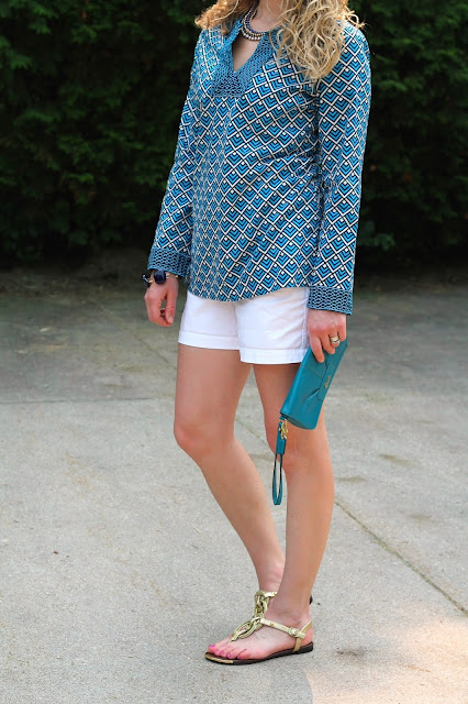 vineyard vines tunic, white shorts, gold sandals, turquoise coach clutch