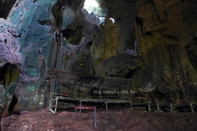 Padang Area Niah Cave