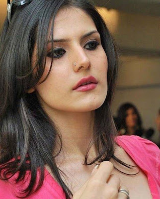 Zarine Khan in Housefull2 Wallpapers