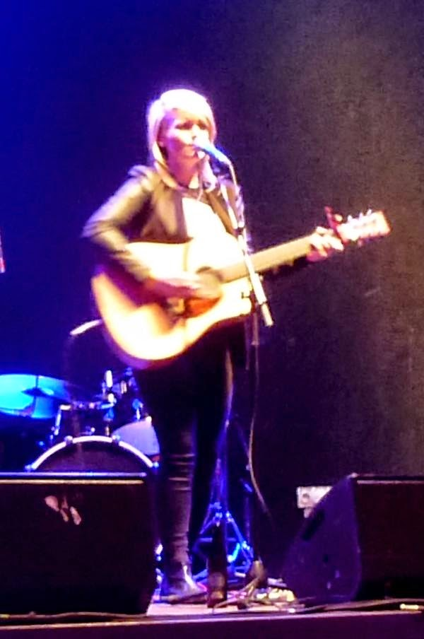 Singer Elaine Doyle