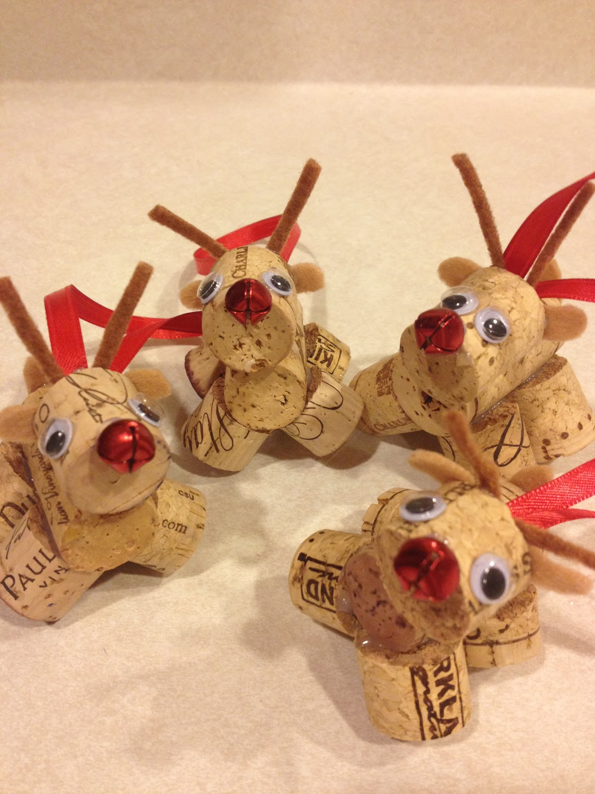 Ornaments made from wine corks -  Rudolph Ornaments Made Of Wine Corks Flat Eye Ball Things Felt For The Antlers Ears And Tails Red Bells For The Noses Red Ribbon And A Lot Of Hot