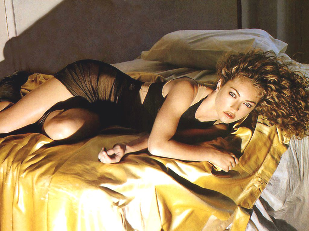http://2.bp.blogspot.com/-MsMjUoEiK-8/UCdIZJHfkaI/AAAAAAAAUWs/IXWkzT2yPog/s1600/rebecca_gayheart_12.jpg