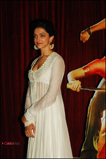 Deepika Padukone Pictures at Chennai Express Movie Trailer Launch ~ Celebs Next