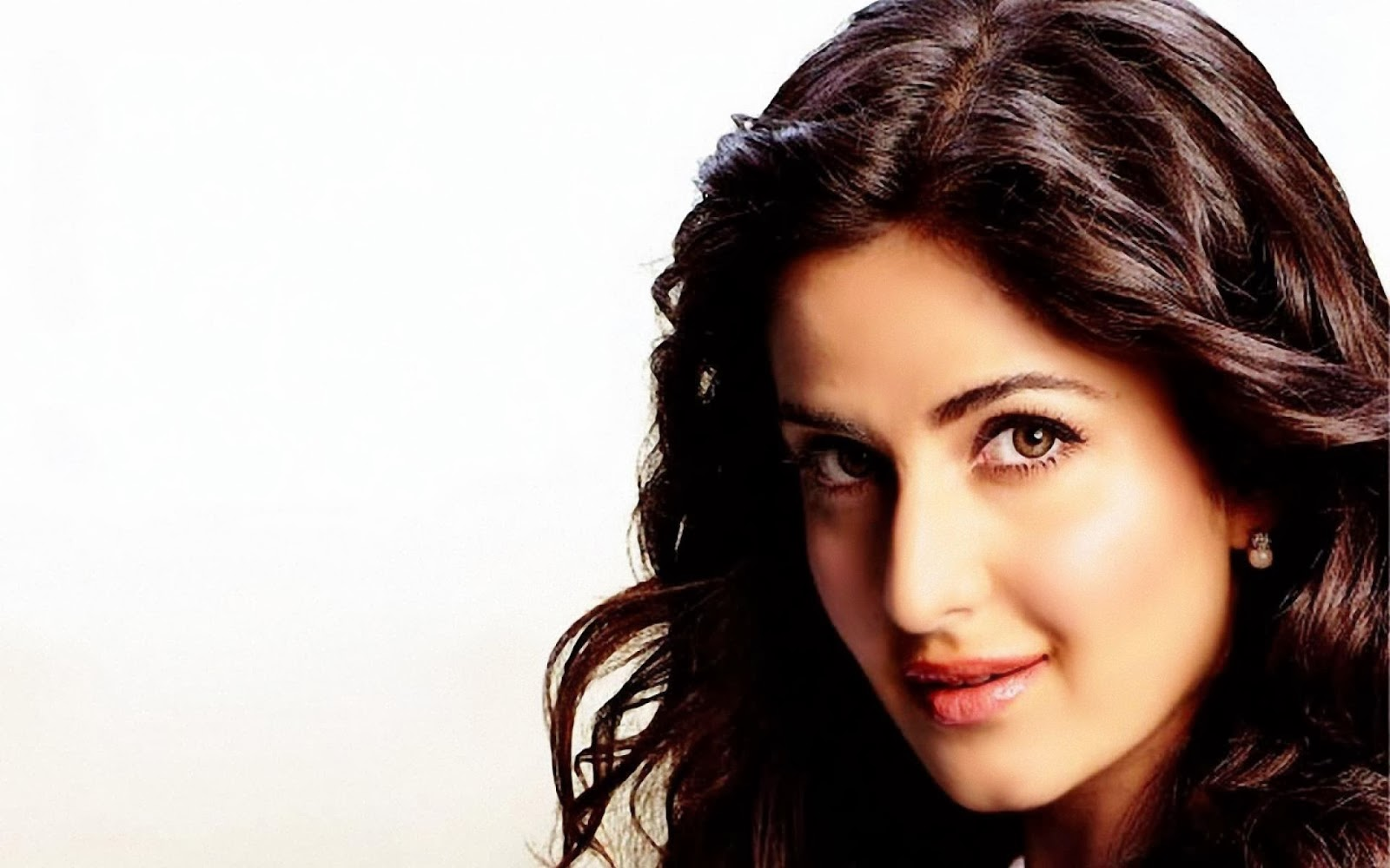 hindi actress katrina kaif latest news and wallpapers - everything 4u