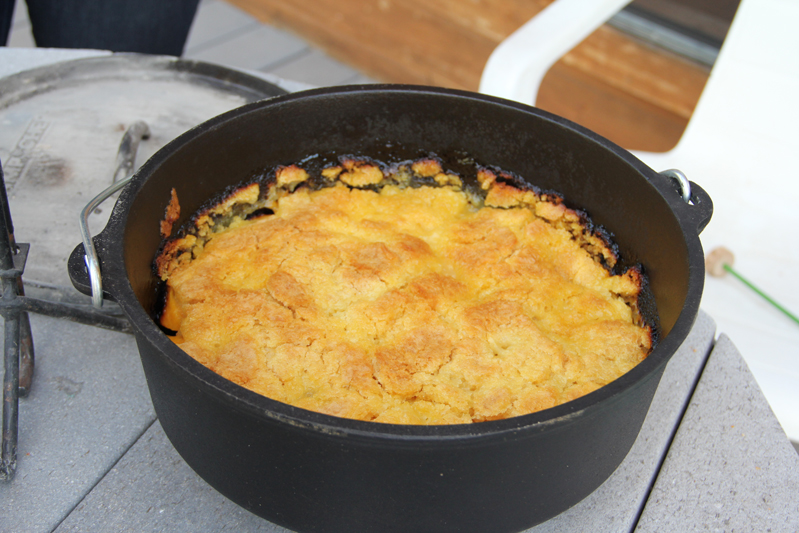 Easy Dutch Oven Peach Cobbler With Cake Mix