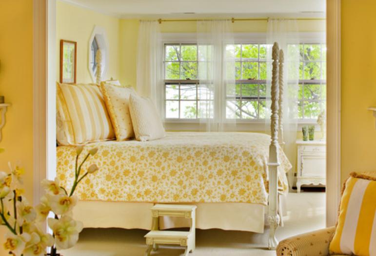 Florescent Lighting To Brighten A Room