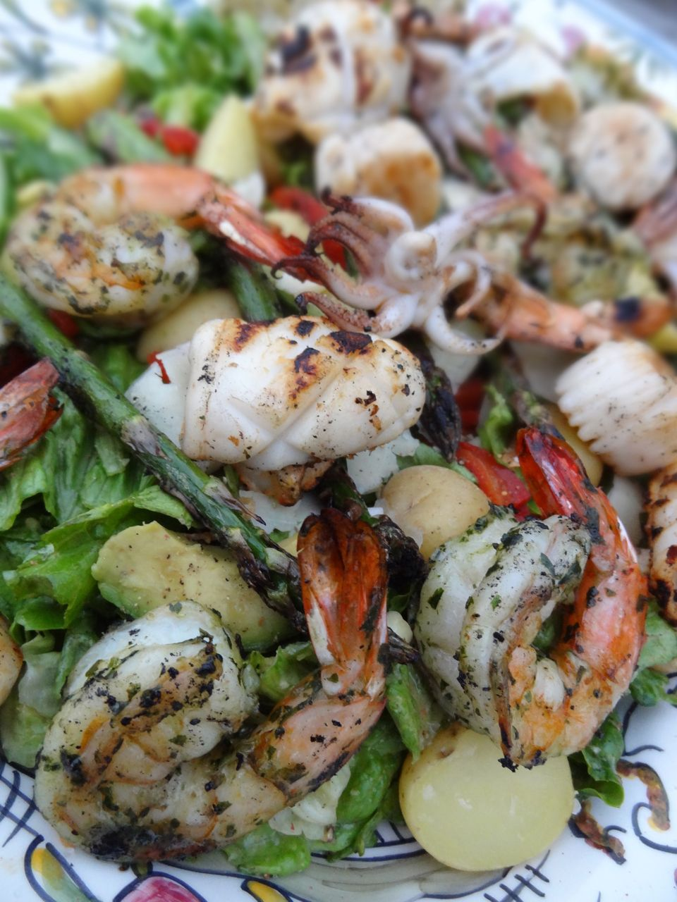 Scrumpdillyicious: Grilled Tiger Shrimp, Scallop & Calamari Salad