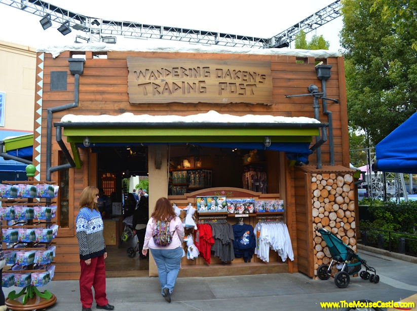 Wandering Oaken's Trading Post, Disney California Adventure
