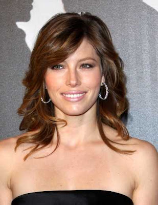 Jessica Biel Medium Wavy Hairstyles