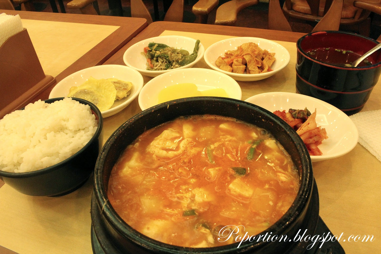 kimchi soup rice side dish authentic korea food what to eat in korea