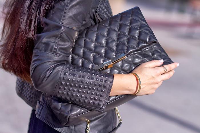Bolso acolchado de cuero y chaqueta perfecto de cuero y tachuelas de Zara