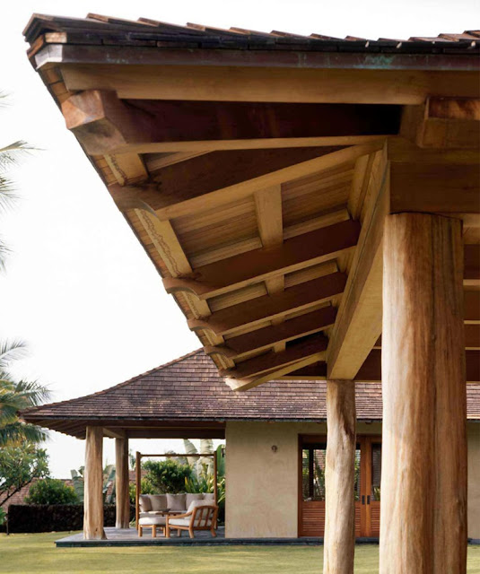 Tropical Cluster House Structure