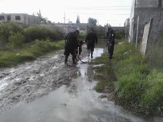 Cuerpo de seguridad presta auxilio ante inundaciones