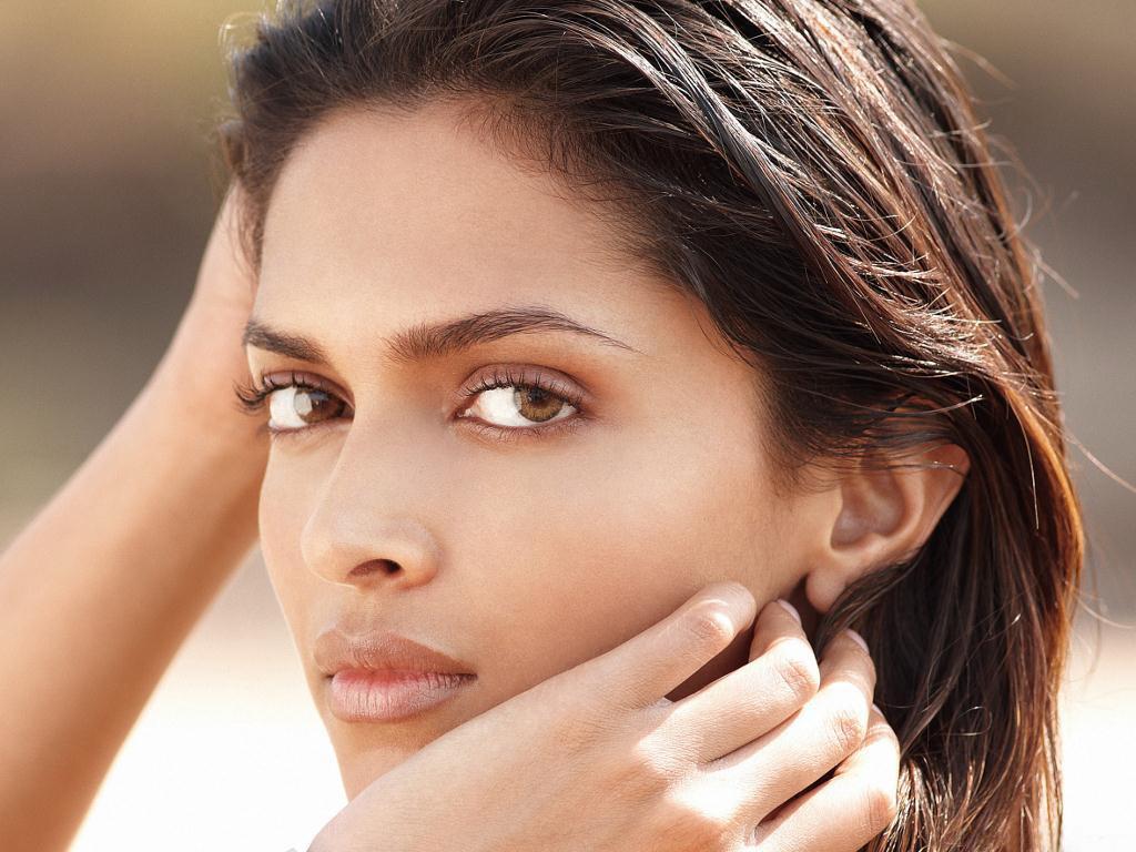Deepika Padukone Close Up Glamorous & Cute Face Latest HD ...