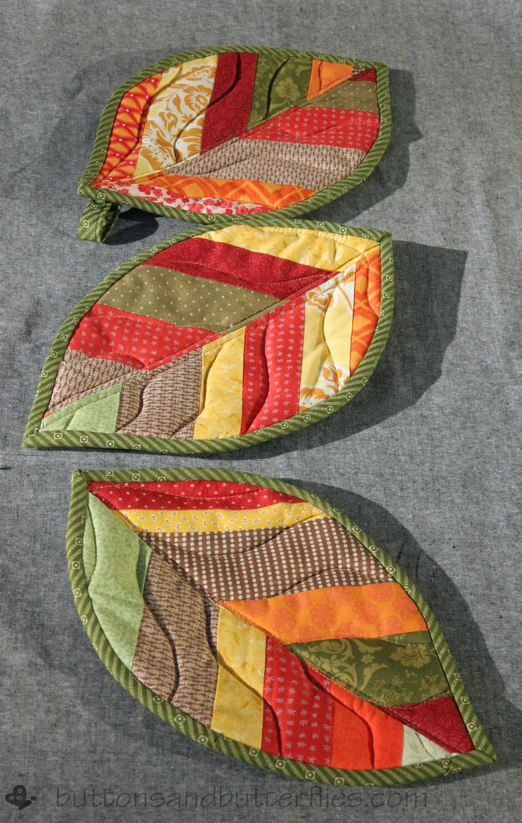 this tutorial yields two potholders