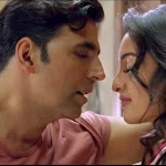 Akshay Kumar and Sonakshi Sinha Hot Kissing Scene in Holiday Movie
