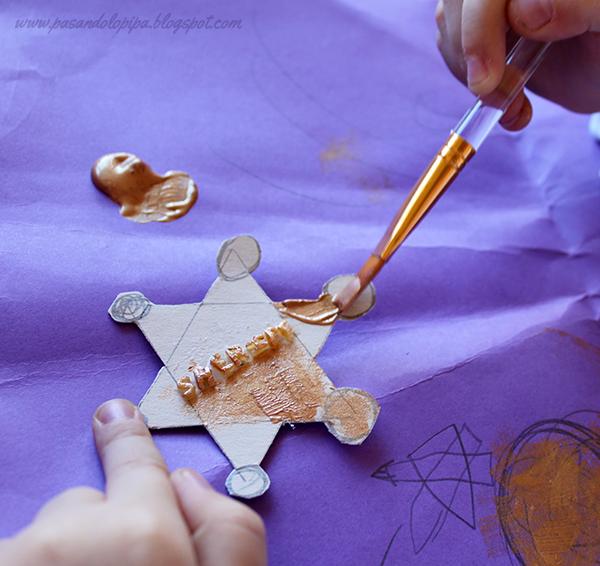 pasandolopipa | Pintar la placa con pintura metalizada