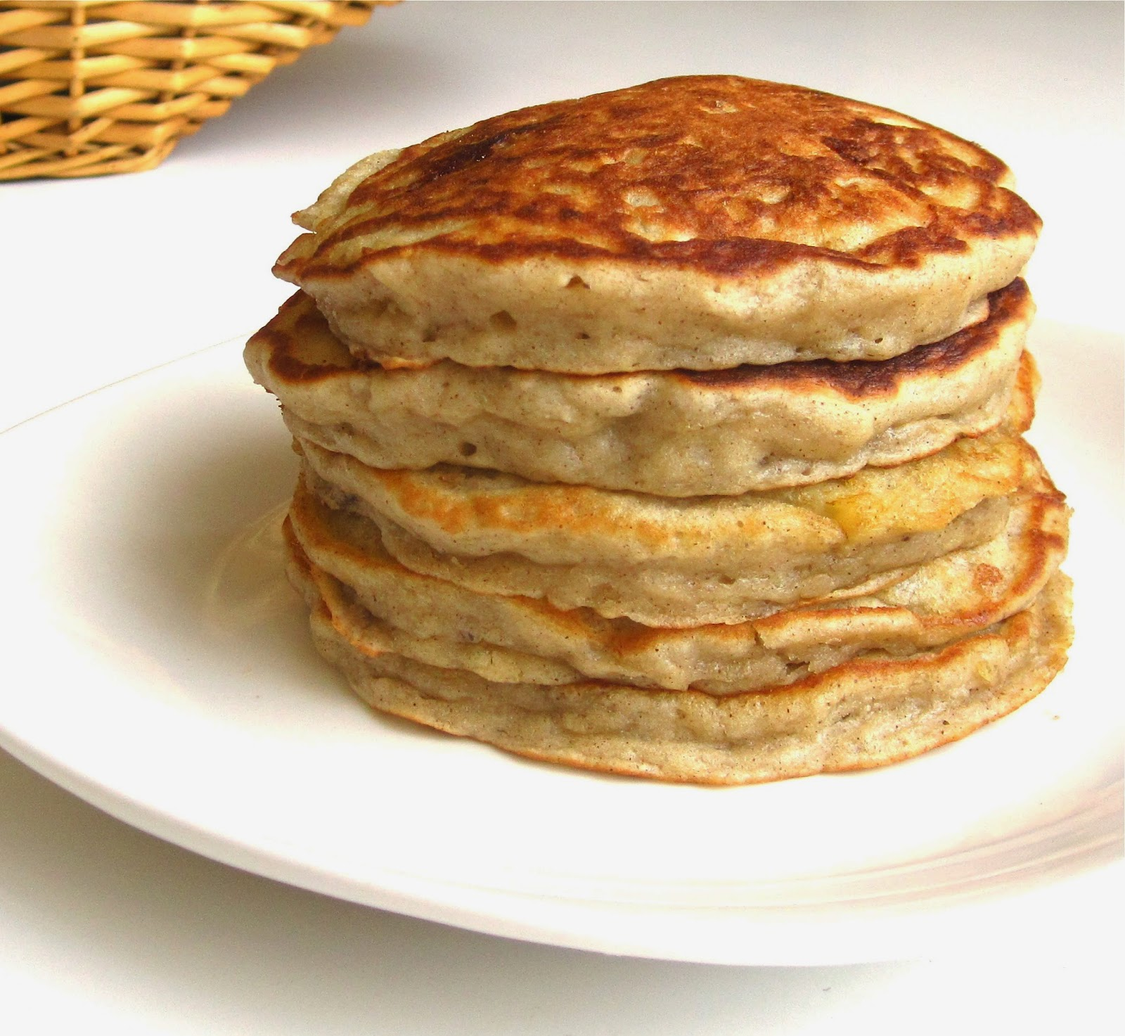 Banana Nut Pancakes - Lindsay Ann Bakes