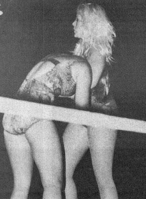 Donna Day vs Debbie Combs - headlock