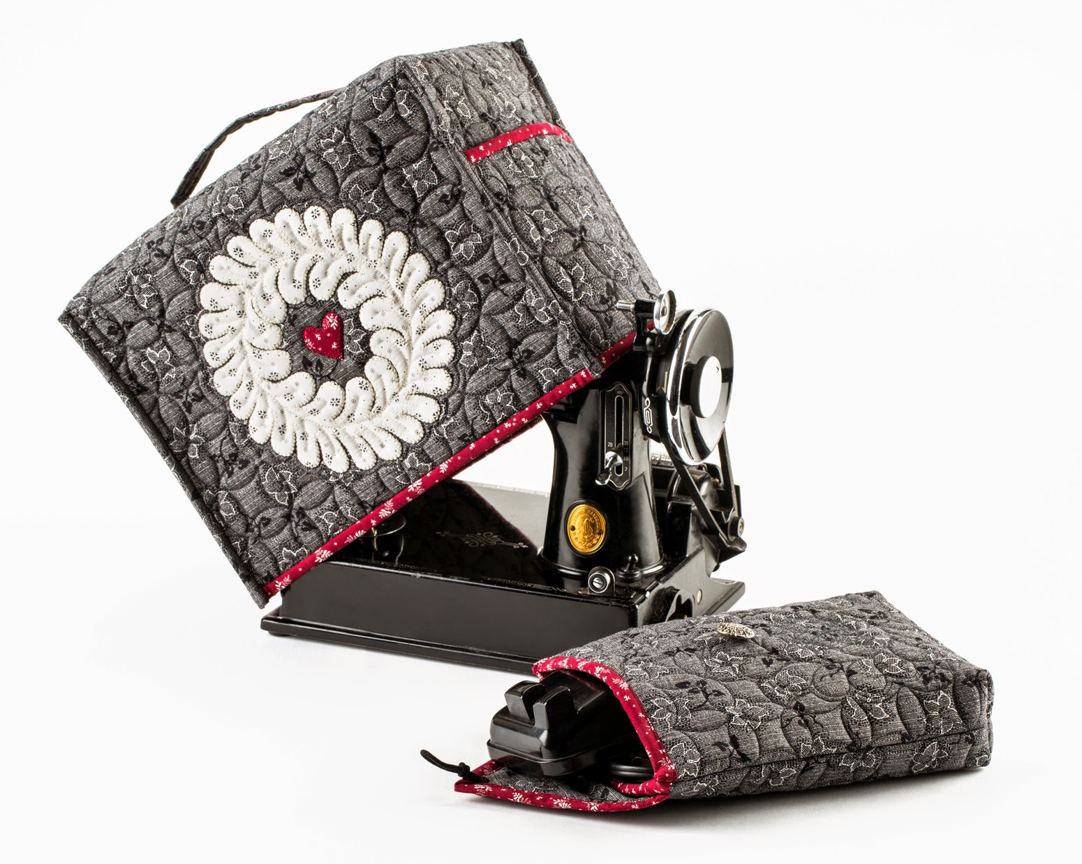 Inspired by fabric vintage shirting bonus project ideas my first featherweight about six months ago and have realized how much love quilters have for them after i decided to design a sewing machine cover jeuxipadfo Choice Image