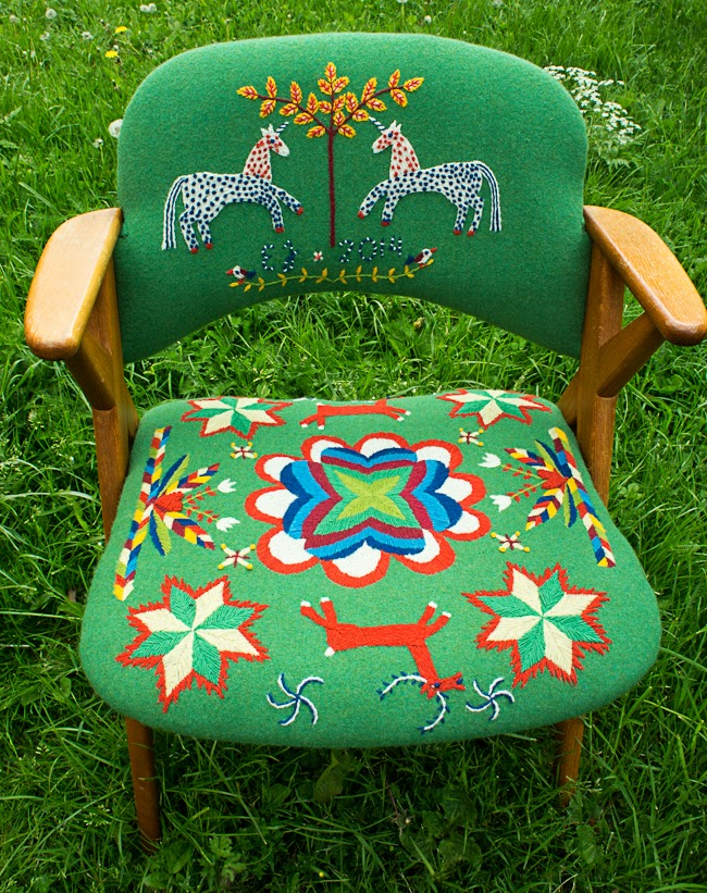 broderad stol