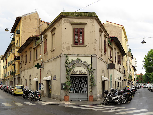 Corner building between Borgo dei Cappuccini and Via dei Cavalletti, Livorno