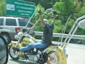 .. a me? no, in moto non mi sudano le ascelle. giuro.