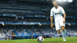 PES 2013 is revealed in video