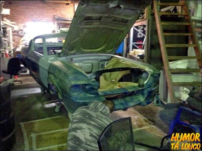 Ford Mustang vira sofá
