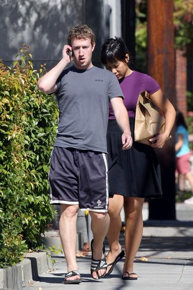Facebook Founder Mark Zuckerberg And His Girlfriend 03