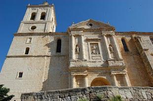 Una de las fachadas de nuestra iglesia