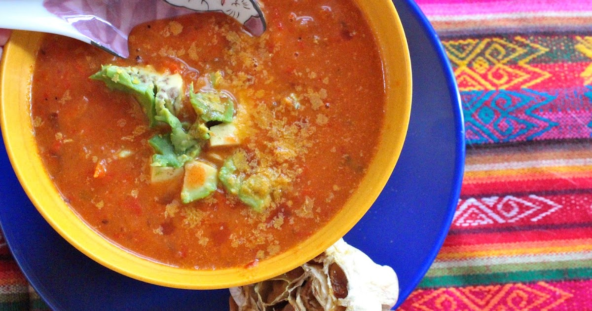 ... MEATLESS MONDAY : CREAMY ROASTED TOMATO, PEPPER, ONION AND GARLIC SOUP