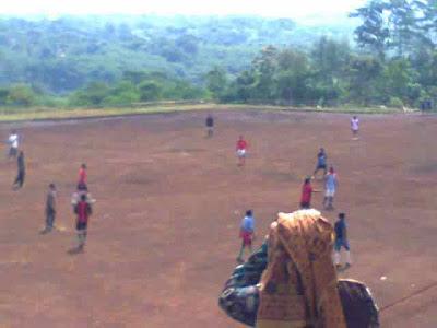 Pembangunan Lapangan Bola Desa Cilembu