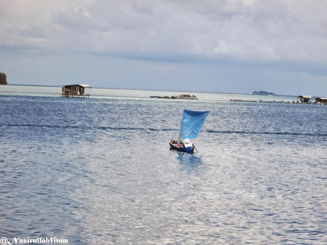Pemandangan disepanjang pelabuhan Karimunjawa