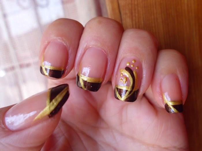 marron dorado manicura