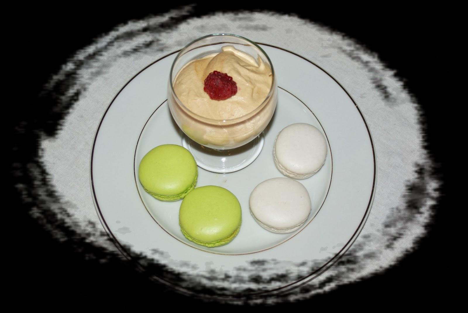 les macarons de sophie duo caramel au beurre sal pistache framboise. Black Bedroom Furniture Sets. Home Design Ideas