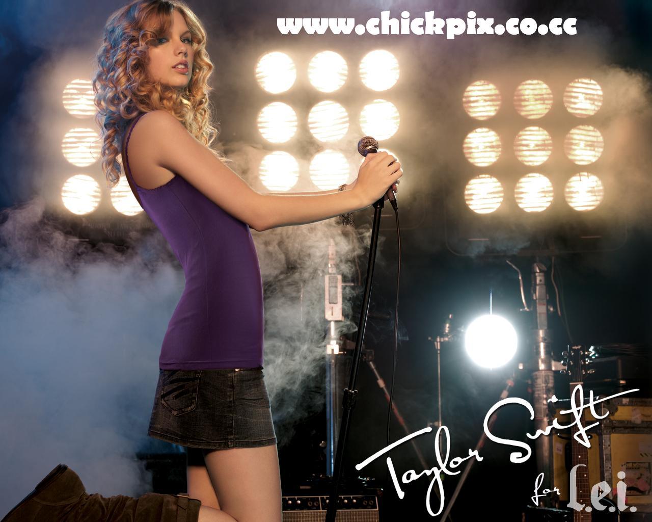 http://2.bp.blogspot.com/-MwWWsS_TICY/T6p-iszNucI/AAAAAAAAI0M/Qq4vO3kgTwg/s1600/Taylor+Swift+Sext+www.chickpix.co.cc+(3).jpg