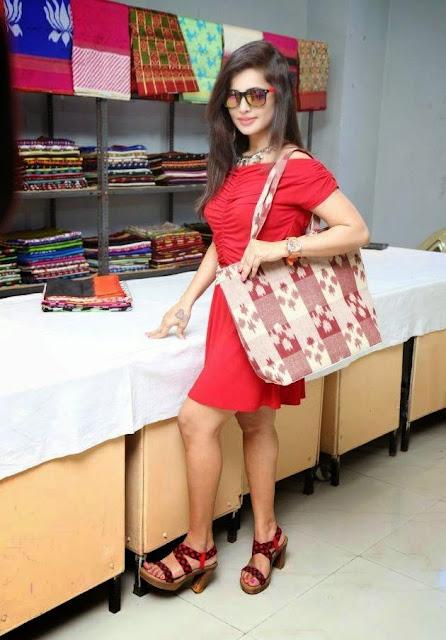 Hashika Dutt Stills At Pochampally IKAT Art Mela Exhibition Launch