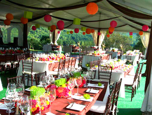 Wedding decorations wedding tent decoration ideas for Outdoor party tent decorating ideas