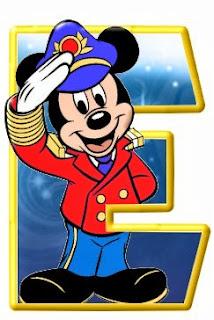 Alfabeto de personajes Disney con letras grandes E Mickey.
