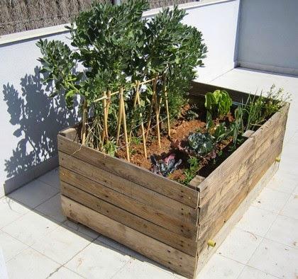 3 ideas con palets para el jardin taringa - Huerto con palets ...
