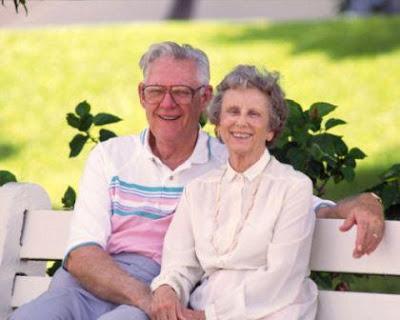 Puisi Cinta Romantis Suami untuk Istri - Ayah Sayang Mamah