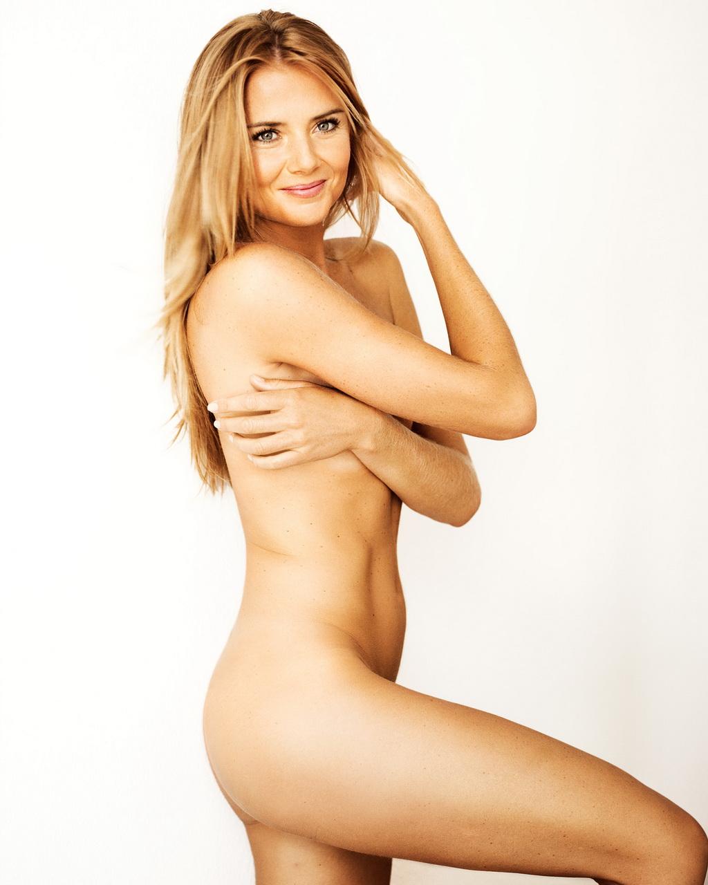 http://2.bp.blogspot.com/-MxN3-UQgHRg/UABxjFXgUZI/AAAAAAAAAAQ/9ilSTg8NOv0/s1600/daniela+hantuchova+Nude.jpg