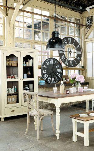 money penny 39 s flat. Black Bedroom Furniture Sets. Home Design Ideas