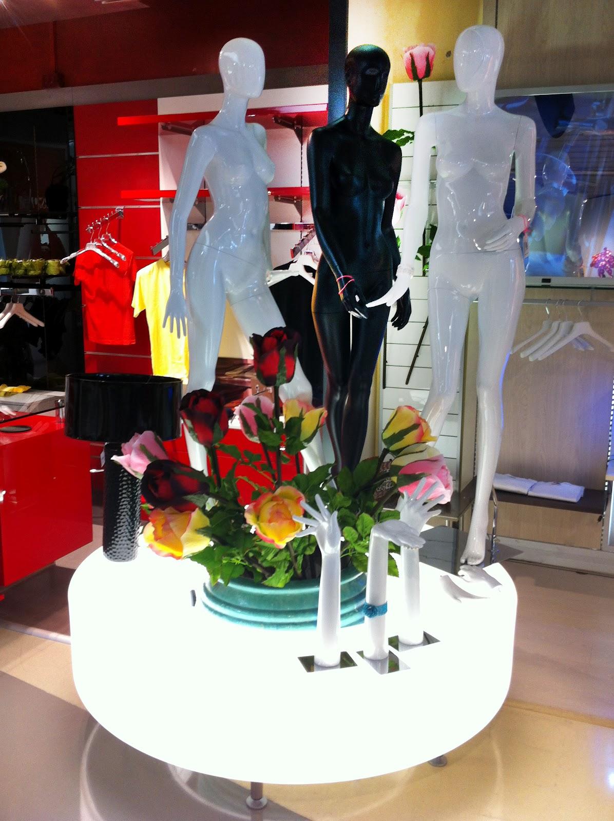Intersystem arredamento negozi vetrine showroom - Idee per vetrine primaverili ...