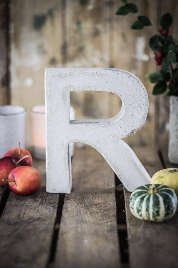 DIY: Buchstaben aus Beton giessen