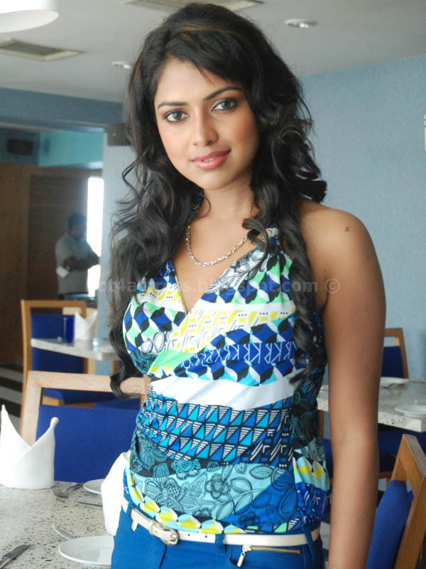 Amala paul latest cute and spicy photo gallery