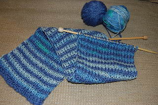 Loose Ends: Knitted Ancestors: Linsey Striped Scarf