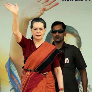 Campaigning,  Karnataka polls,  May 5,  Assembly polls, Karnataka,  BJP ,  Congress,  Sonia Gandhi