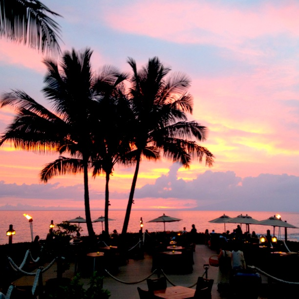 Cotton Candy Pink Sunset Maui | www.floralsandplaid.com